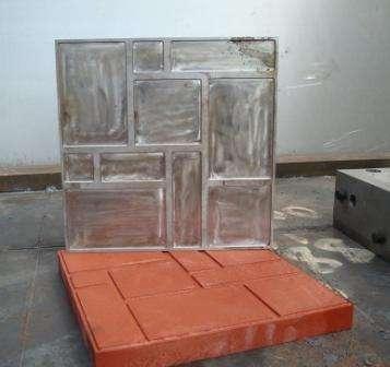 Тротуарную плитку, по желанию клиента, предприятие сможет изготовить любой формы и любого размера