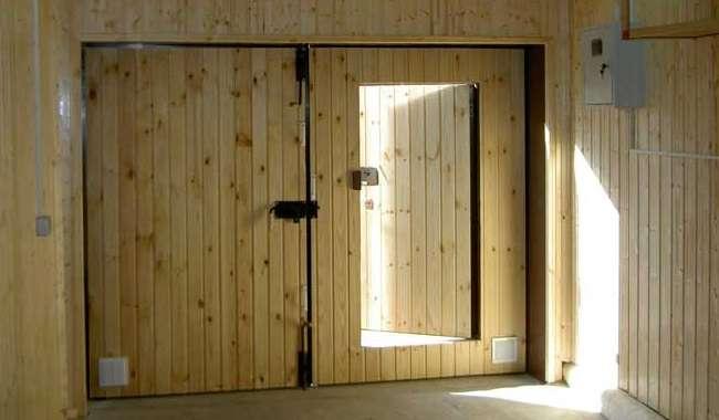как утеплить гаражные ворота изнутри своими руками