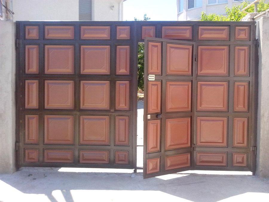 как выбрать металлические ворота