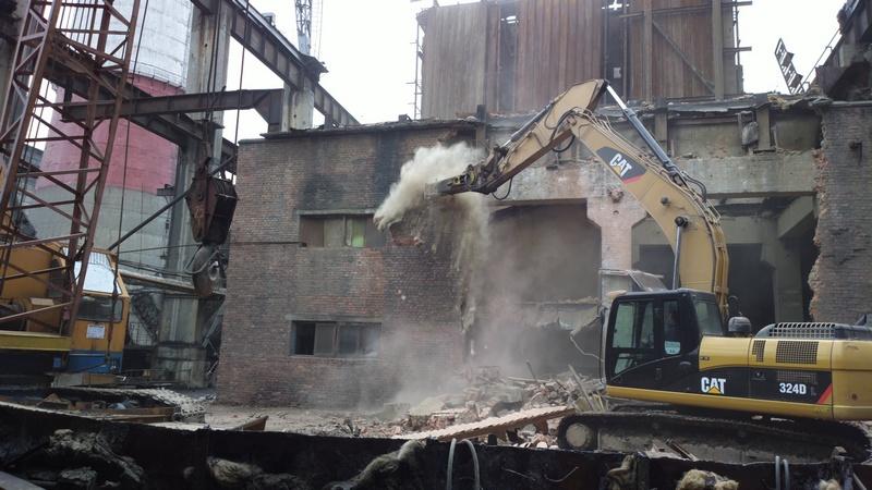 Как проводится снос и демонтаж зданий?