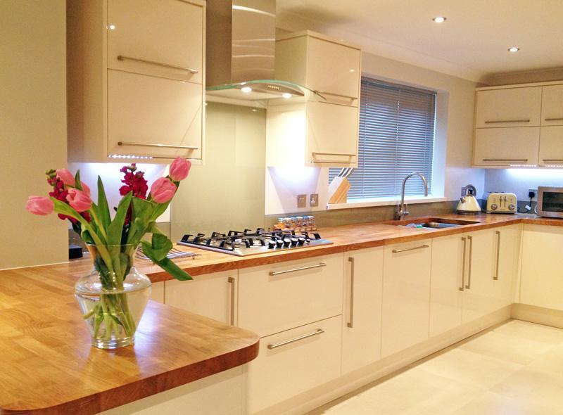 Деревянные столешницы на кухне: за или против?