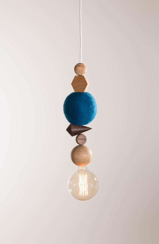 Дизайнерские люстры, похожие на новогодние украшения