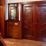 Преимущества дверей из массива