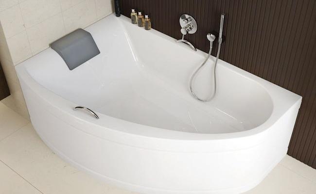 3 реальных и 3 мнимых плюса угловой ванны