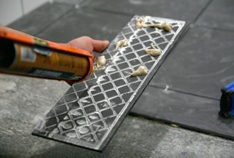 Инструкция по облицовке плиткой стен и пола