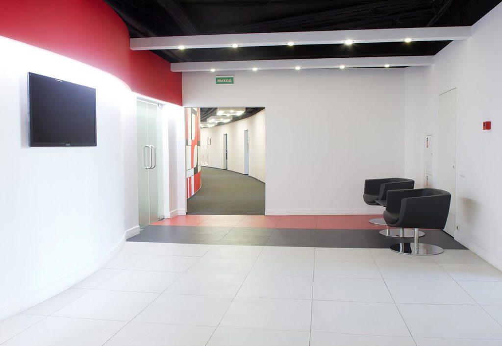 Яркий дизайн офиса Ogilvy
