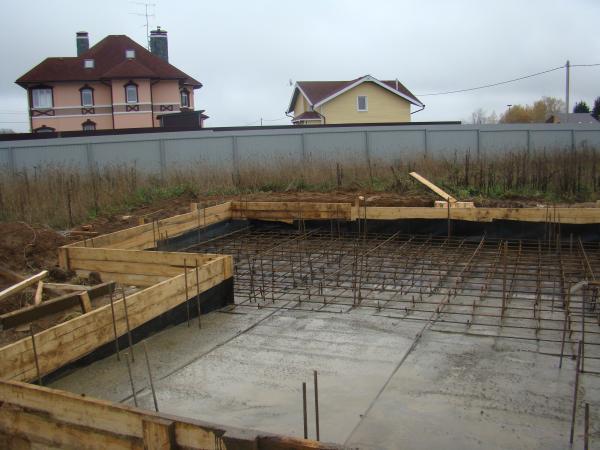 Как правильно сделать плавающий фундамент для деревянного дома: устройство, технология, сооружение, инструменты и материалы - строительство фундамента своими руками, советы, рекомендации, инструкции, фото