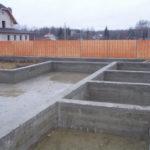 Фундамент для загородного дома – возможные варианты