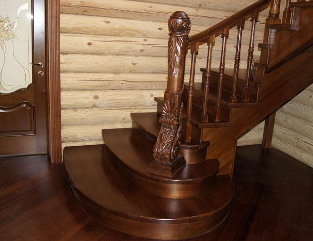 Бетонная или деревянная лестница в дом: что выбрать, особенности установки и эксплуатации