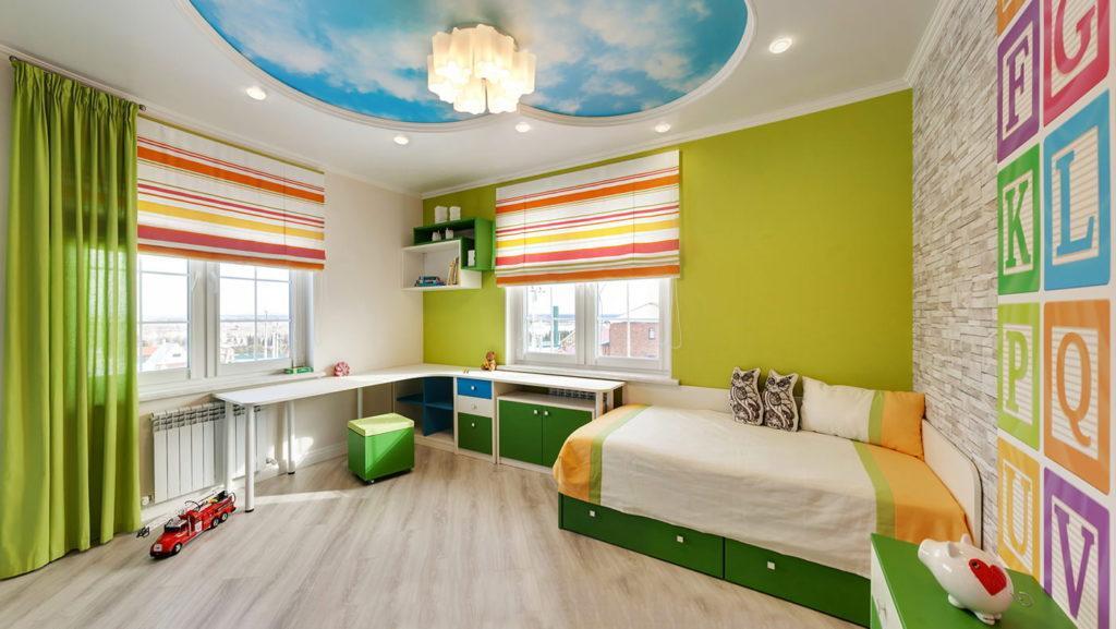 Французские натяжные потолки для зала, спальни, детской, кухни, гостиной или коридора в Одессе