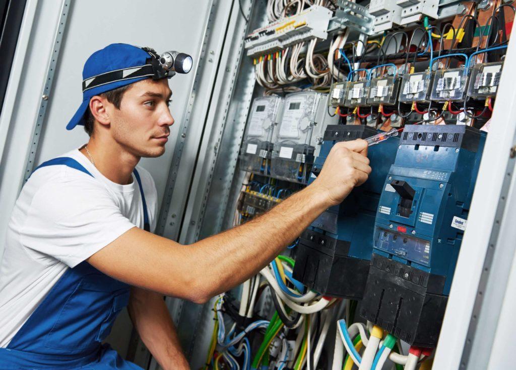 Профессиональный электрик – на что можно рассчитывать