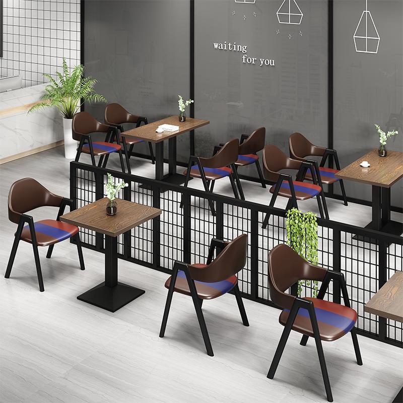 Как выбрать идеальный стул для кафе